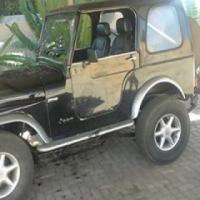 Jeep met 2.5 tirbo diesel in  te ruil vir n goeie bakkie