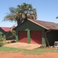 8.5 ha Bergplot met 5 slaap huis hoog in die Magaliesberg 20km Wes van Pretoria