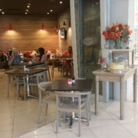 Upmarket casual dining cafe