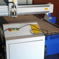 ps 1.3mx1.8mx3kw italian water cooled spindle router 220volt