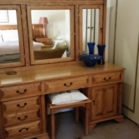 Solid Oak headboard and dressing table