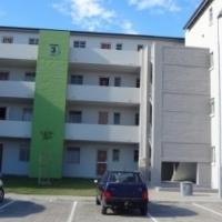 Beautiful 2 Bedroom third floor apartment for sale – 24h security – Scottsdene, Kraaifontein