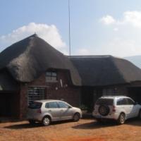 Peaceful farm with 3 homes 17km West of Pretoria