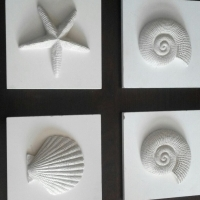 Ceramic hand crafted star fish & shells (white) x4