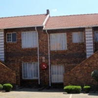 2 Specious Bedroom 2 Bathroom Townhouse to Rent from 1st June.