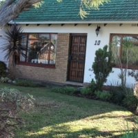 Pinelands Cape Town: to let spacious light open-plan house 3 bedrooms front back gardens plunge pool