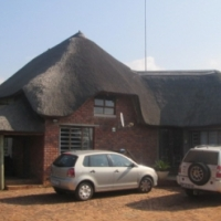 Peaceful farm with 3 homes 25km West of the Union Buildings
