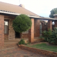 3 bedroom House for Sale in Eldorado Park Ext 9