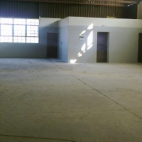 306m2 factory/warehouse to let in Alrode South