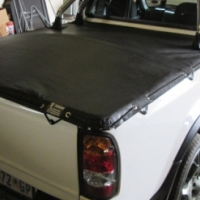 TONNEAU COVERS FOR BAKKIES AND TRAILERS