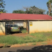 Big spaciuos house with double garage 4bed 3bath available immediatly