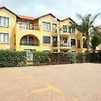 SUNDOWNER Open plan studio townhouse to let for R4000 2 available June
