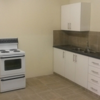 Neat and modern 1 bedroom garden flat. Freestanding unit with undercover carport for 1 vehicle