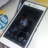 SONY EXPERIA T3 White... Gud condition with all accessories includes.