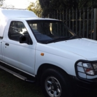 2002 Nissan Hardbody 2.0 LWB in Excellent condition with Canopy