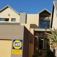 STUNNING HOUSE IN MONTANA GARDENS IN UPMARKET ROSE ACRES ESTATES - 4 BED 4 BATH