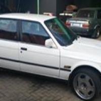 E30 BMW 320i