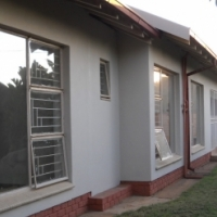 Renovated 4 bedroom house (potential 7 bedroom)