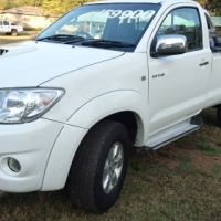 Toyota Hilux 3.0 D4D 2011 4x4 in very good condition, code 3