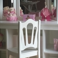 NEW very cute princess dressing table new for little Girl