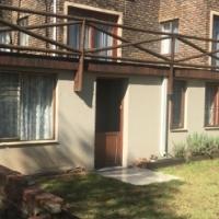 Garden cottage in secure area Boskruin Ext 5