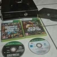 x box 360 with a kinect and 2  controllers and fo for sale  Pretoria City