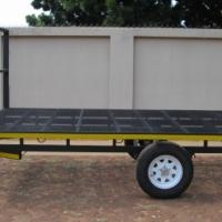 O.7. FLAT DECK TRAILER 1600kg
