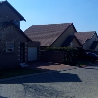 Room for rent in a secure townhouse complex in Glen marais Kempton park