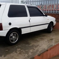 Gents and ladies. I'm selling a fiat uno .