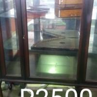 Show Case R 2500