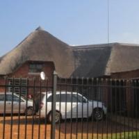 Peaceful farm with 3 Bedroom House 17km West of Pretoria