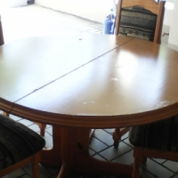 Lovely Dining Room Suite for Sale at a Reduced Price - Urgent Sale!