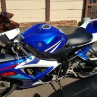 Suzuki GSXR-750 K7 For Sale
