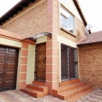 Edenvale 3 bedroom cluster to rent in secure complex