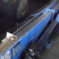 We are selling this Truck lift 5 ton hydraulic hoist at discount price