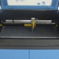 Easy to Use CNC CO2 80W 600x400 Laser Cutting and Engraving Machine From Advanced