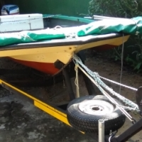 BOAT EASY LAUNCH . BRAKENECK TRAILER
