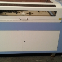 lc 1290x80watt adjustable table with autofocus laser head /100watt machinesR103000.00
