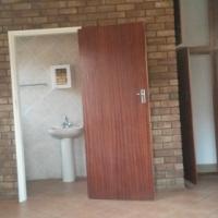 Polokwane bachelor flat close to provincial hospital. 01/08/16