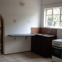Spacious 2 bedroom 1 bathroom garden cottage to let in Pretoria Gardens.