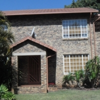 Beautiful 2 bedr Town house for sale in Magalieskruin