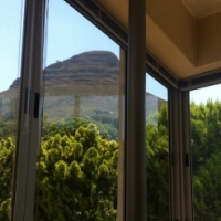 Upmarket 1bedroom in Tamboerskloof: Modern, secure and fully equipped- just move in with yr clothes