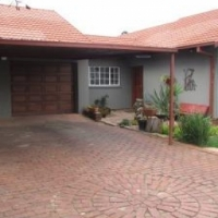 House To Rent in Van Riebeeck Park