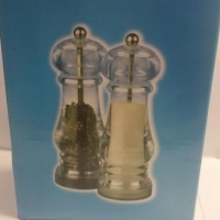 SALT and PEPPER MILL SETS 20cm BRAND NEW R59.99