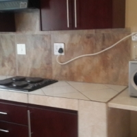 1 bedroom Apartment to rent R4500.00 + R500.00 (water & elec)