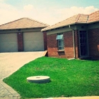 Cosy free standing houses to let in Blue hills -R1000 discount on 1st month rent