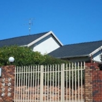 LARGE 2 BEDROOMED - WILROPARK