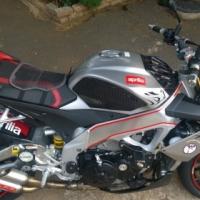 Superbike- Aprilia V4 Tuono APRC