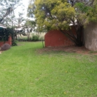 2 Bed Cottage on plot near Lanseria / Nooigedacht just off Molebongwe Dr at Lion Park robots