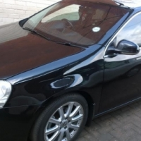 2007 Volkswagen Jetta 2.0Fsi with sunroof and low km
